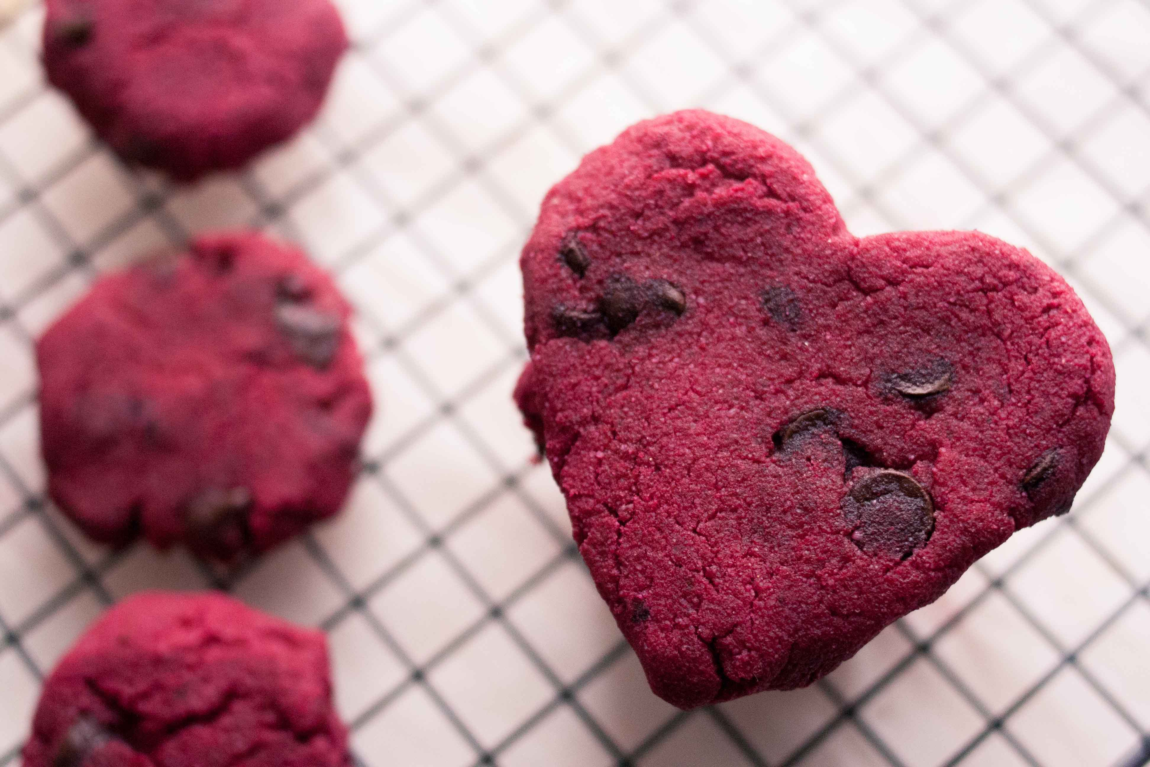 Vgn + GF Chocolate Chip Beet Cookies on A Rainy Day | The Road Not ...